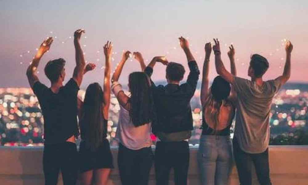 Going to college means so many more chances to go to parties! Read this article for a guide on how to survive a night out at UVA as a first year!