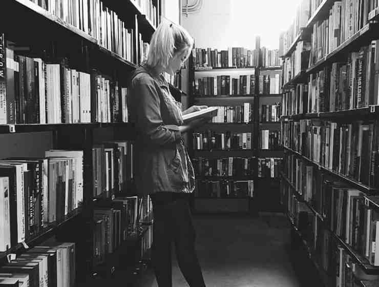 Check this list to figure out the best book for college freshmen to read before you head off to campus this year. These books are the best.