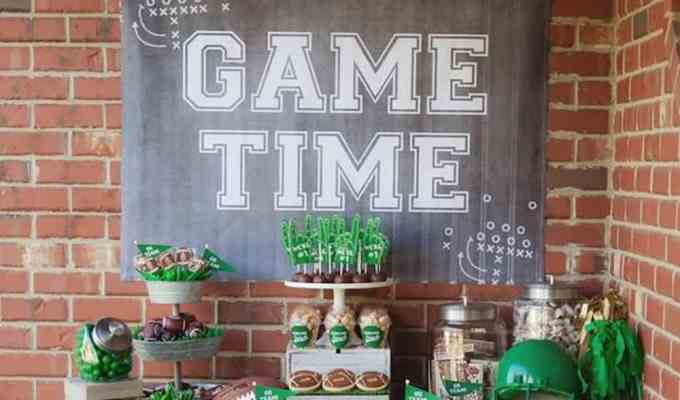 Gearing up for football season? Try these football decorating ideas to throw the best kickoff party in town to cheer on your team!