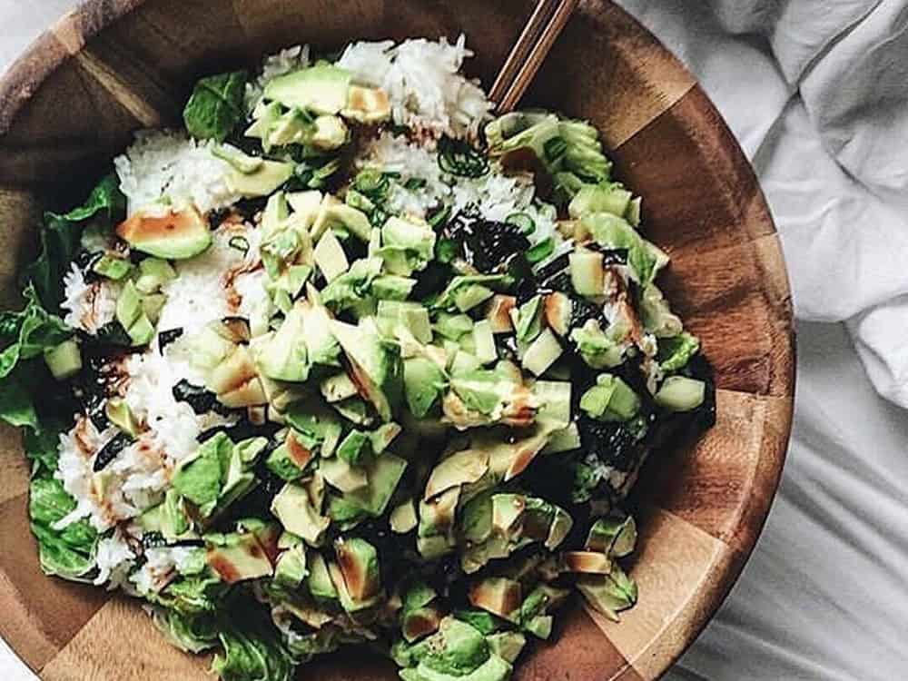 These are some of the best healthy food bloggers that we absolutely love! They help give you ideas for healthy snacks, meals and everyday living!