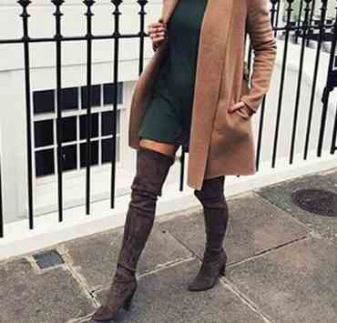 Check out these cute outfits with knee high boots that will transition your wardrobe into fall. Pair your boots with some long trenchcoats for preppy feels.