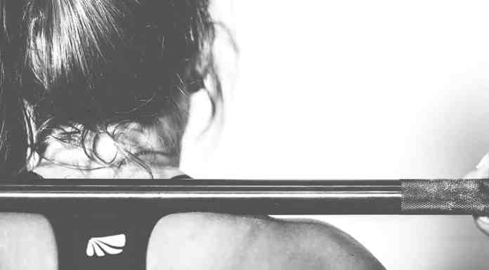 Ladies there are lots of good reasons why you should start lifting ASAP! We've put together a list of some of the best reasons why!