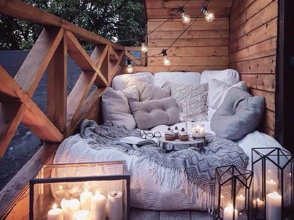 Take a look at these apartment balcony decor ideas for your outdoor space! They are trendy, affordable and so chic that you can throw the best parties!