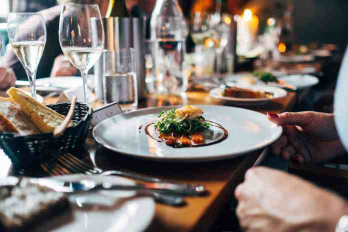 These restaurants in Hudson are some of our favorites! Read on to see soe of the best places to eat in the surrounding area!