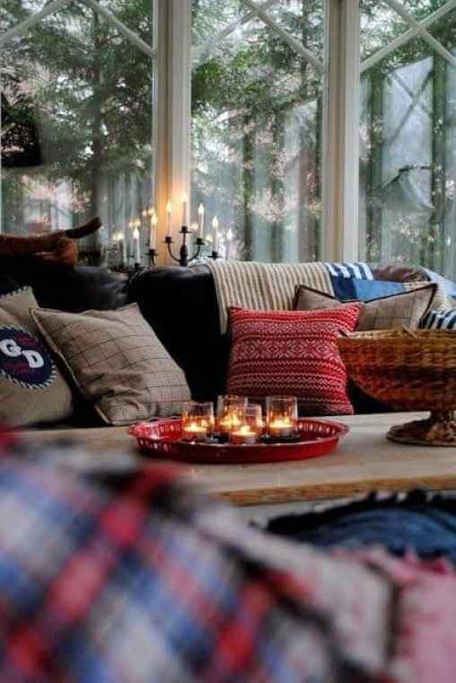 Trendy and Cozy Holiday Decorating Ideas #christmas #holidays #christmasdecorations
