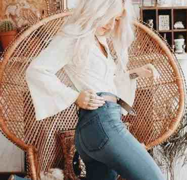 Bell bottoms are not totally out of the question when it comes to fashion. If you have a pair you love then we have a way to style them for you!