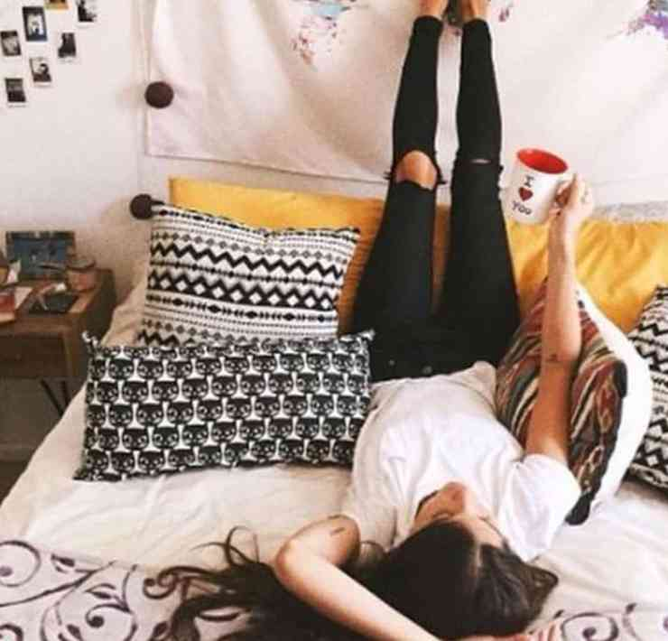 Here are a few tips for better sleep taht you should try if you struggle getting to bed at night. No more tossing and turning!