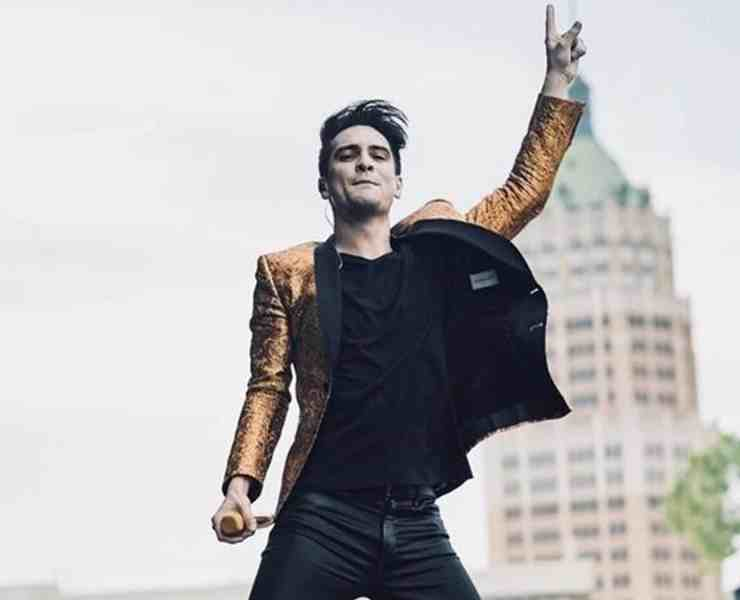 If Panic at the Disco is one of your favorite throwback bands, or perhaps one of your top current bands then give this playlist a listen!