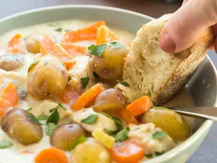 Winter comfort food is one of the best parts of a cold December night. These delicious comfort food recipes will have your mouth watering!