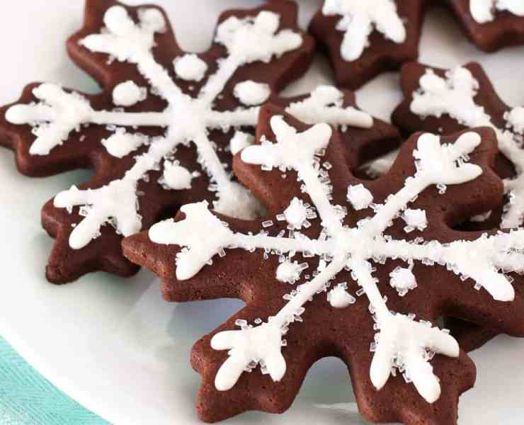 These vegan Christmas cookies are some of the best recipes that you can find! You're going to love these awesome holiday treats!