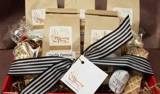 These coffee gifts are perfect for anyone who is addicted to caffine! All the coffee lovers out there are going to be thrilled with these Christmas gifts!
