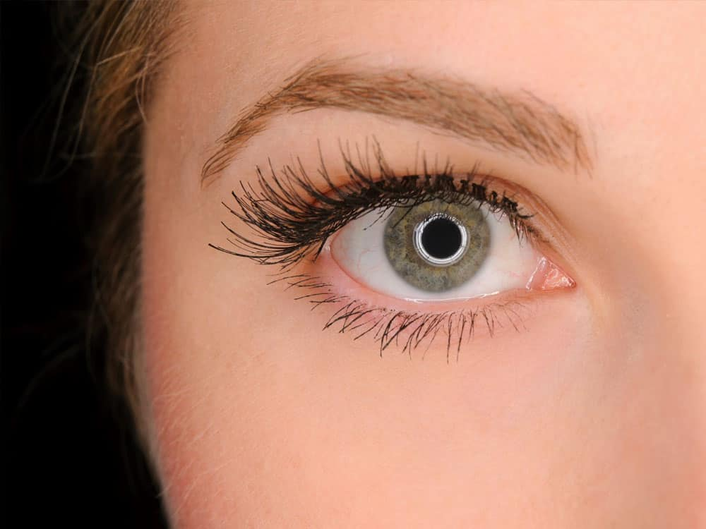Want to make your lashes grow? Cursed with short lashes!?No worries! Check out these tips now to lengthen and strengthen your lashes!
