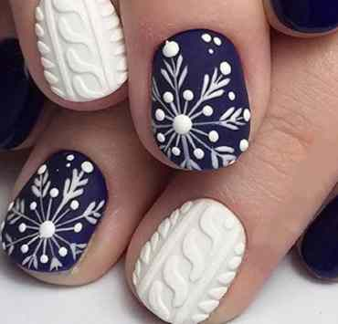 These nail trends are going to be all the rage this winter! Here are some of the top winter nail styles that you need to try!
