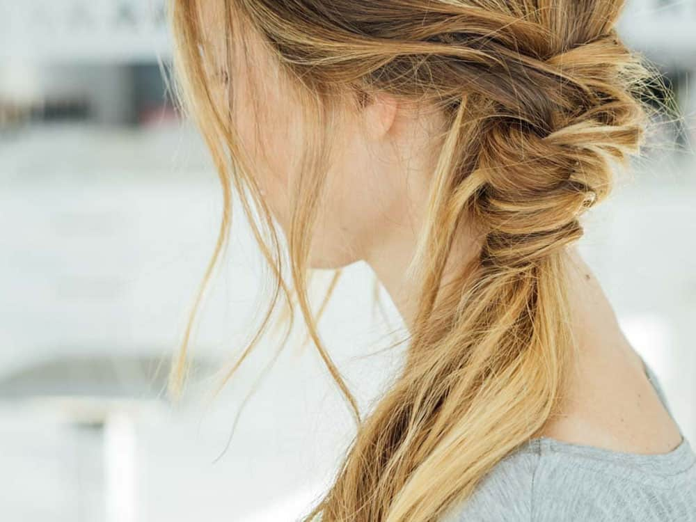 These easy hairstyles are perfect for anyone who is lazy or just doesn't have time in the morning. Here are our favorite easy hair looks!