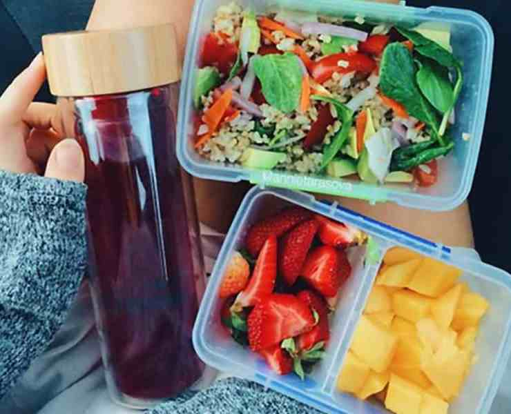 Eating healthy can be a really difficult task, but it doesn't need to be! Here are all the tips you need to know in order to live a healthier life!