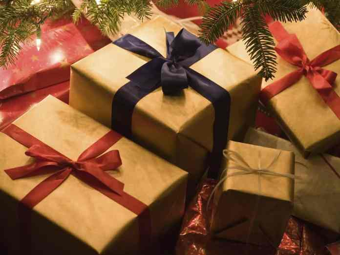 These Christmas gifts for your sister in law or brother in law are going to be perfect for the holiday season! These are the best in law gifts!
