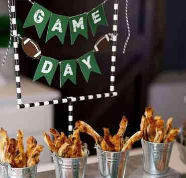 All the Super Bowl party ideas you need to know are right here. You are sure to score with these simple tips and tricks for your party!