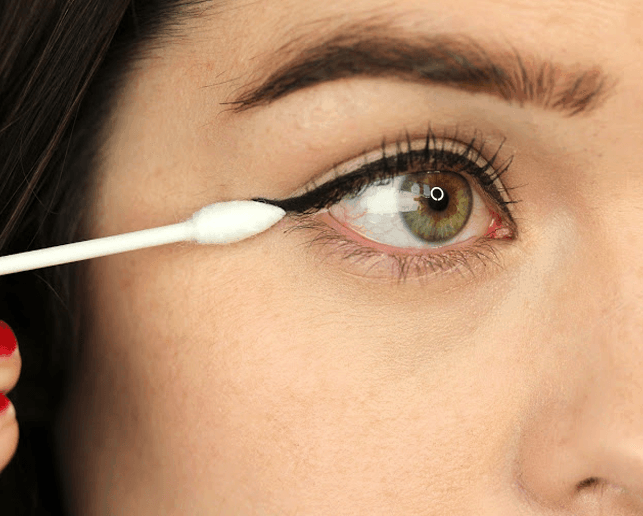 10 Tips To Get Perfect Winged Eyeliner