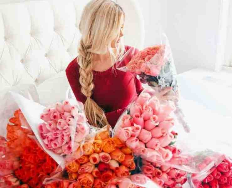 These cute Valentine's Day date ideas are going to be perfect for any couple who is newly dating! Here are the best Valentine's dates for you!