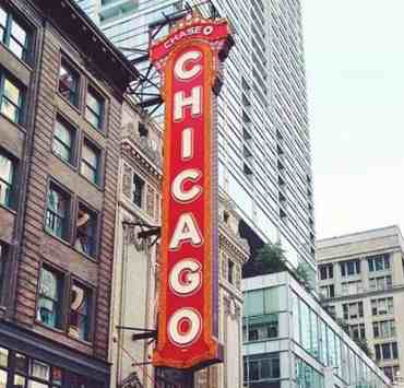 Chicago is a city filled to the brim with so many different things to do! Here are some of our favorite things to do in Chicago right now!