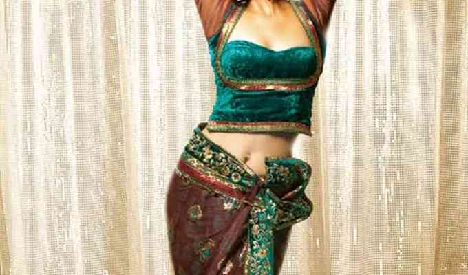 Belly dancing is something that I tried recently and I totally loved it! I suggest everyone gives it a try at some point and here's why!