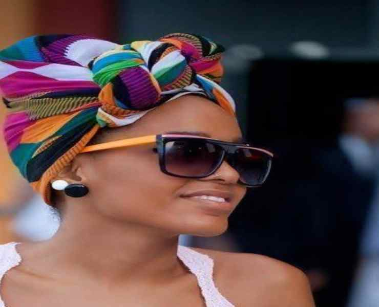 Natural hairstyles on black women are gorgeous and authentic. Therefore, these beautiful styles are worth trying out.
