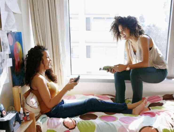 Why I Stopped Trying To Befriend My College Roommates