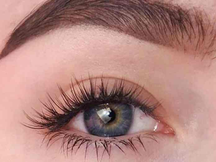 The Pros And Cons Of Having Eyelash Extensions