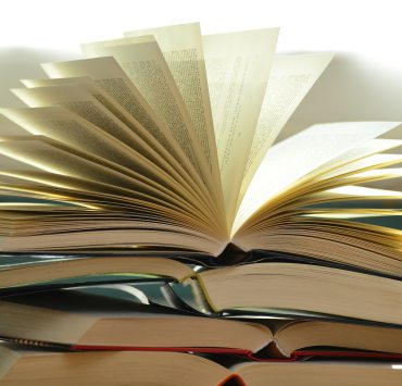 10 Places To Buy Cheap Textbooks For College Classes