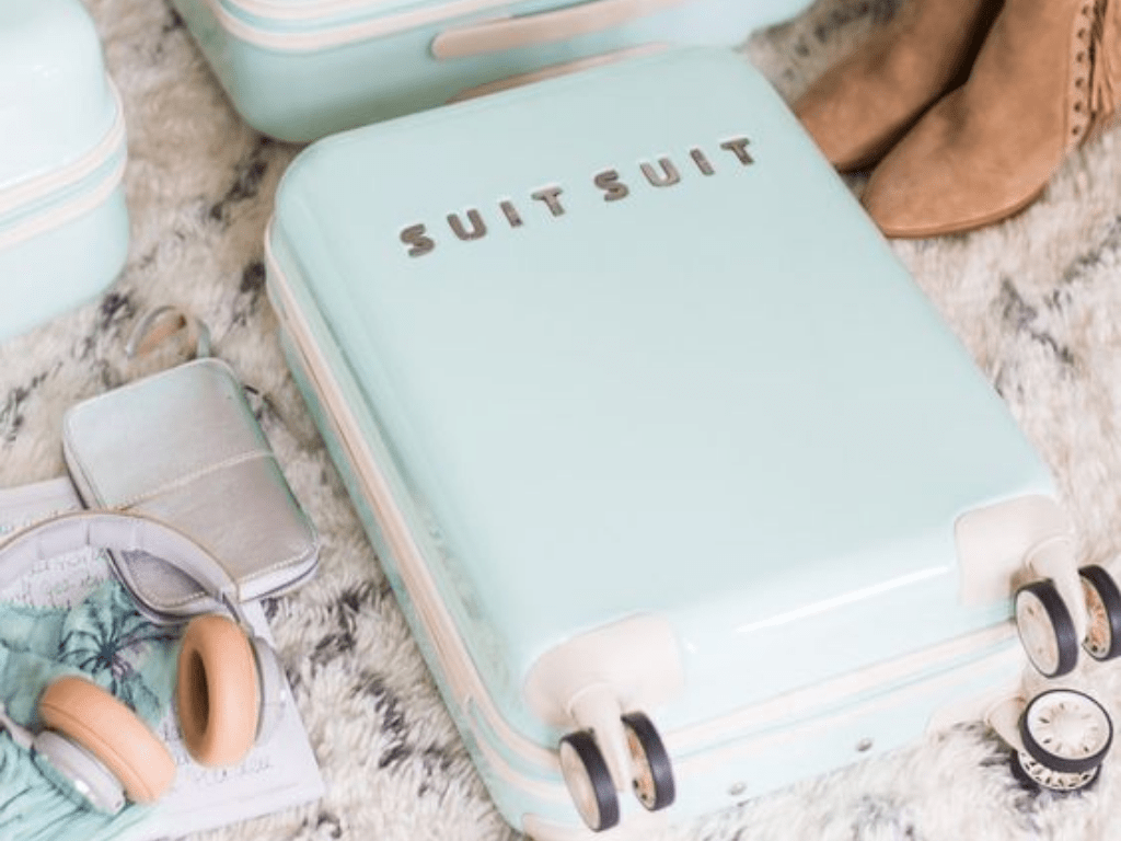 5 Bizarre But Functional Travel Bags