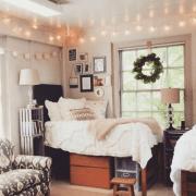 10 DIY Dorm Decor Projects Anyone Can Do