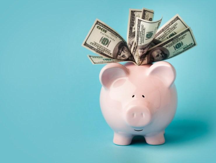 5 Tips On Saving Money For The Broke Student
