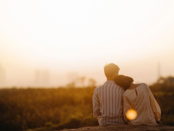 10 Small Gestures That Will Make Your Girlfriend Smile