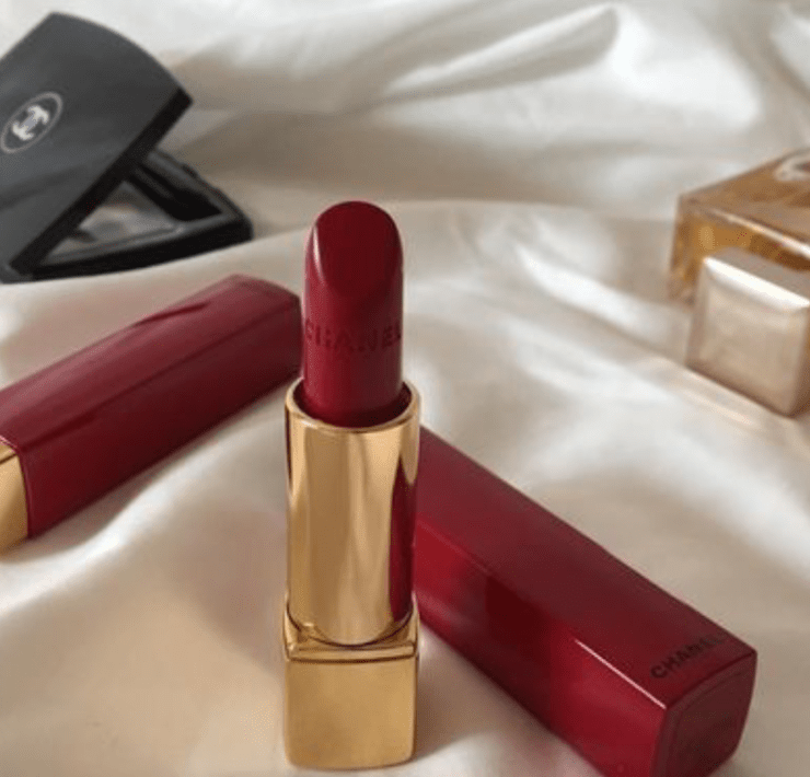 10 Lipsticks That Are Perfect For The Fall