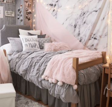 5 Ways to Save Space In A Dorm Room
