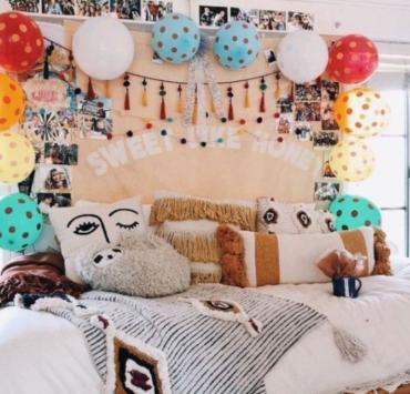6 Decor Accessories to Brighten Up Your Dorm Room