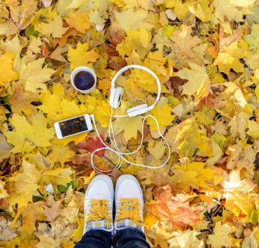 Autumn Vibes, 10 Songs That'll Give You Autumn Vibes
