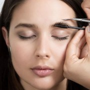 Best Tips For Shaping Your Eyebrows