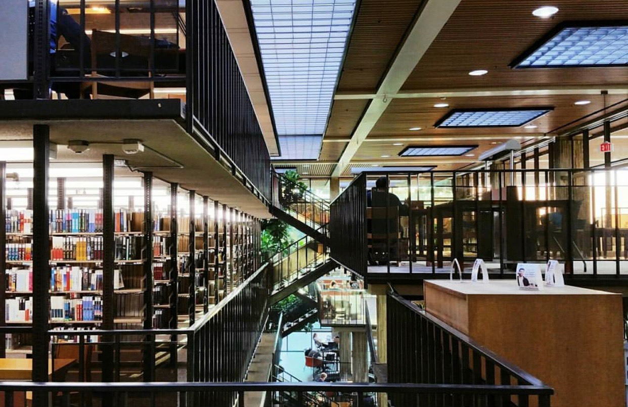 10 Reasons Why The Huntington Beach Public Library Is the Best Spot In HB