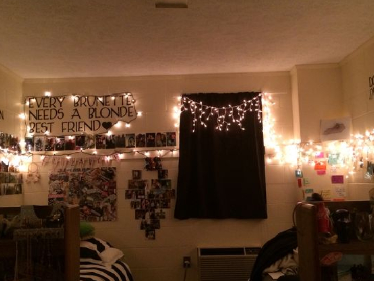 Holiday Decorations, 15 Cute Holiday Decorations To Light Up Your Dorm Room
