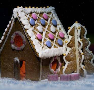 Gingerbread House, What You Need At Your Gingerbread House Decorating Party