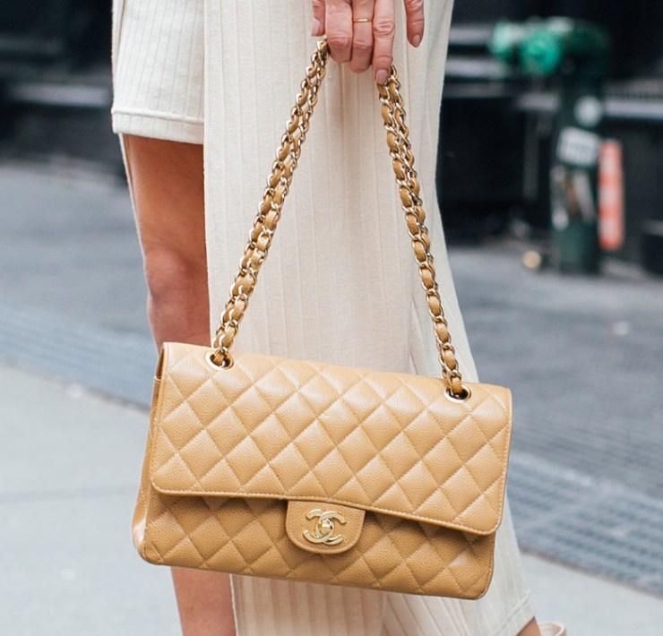 Divine Designer Purses To Have In Your Closet To Use Year 'Round