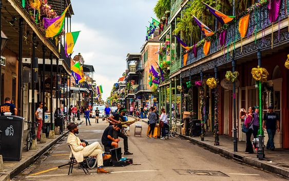What To Eat, See, and Do In New Orleans During Mardi Gras