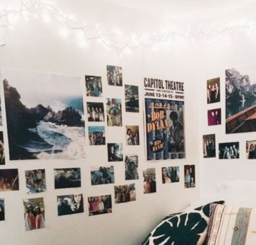 Dorm Room Photo Wall Ideas You Can Copy From Pinterest