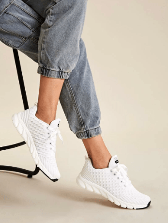 15 Athleisure Clothing Looks To Copy Right Now