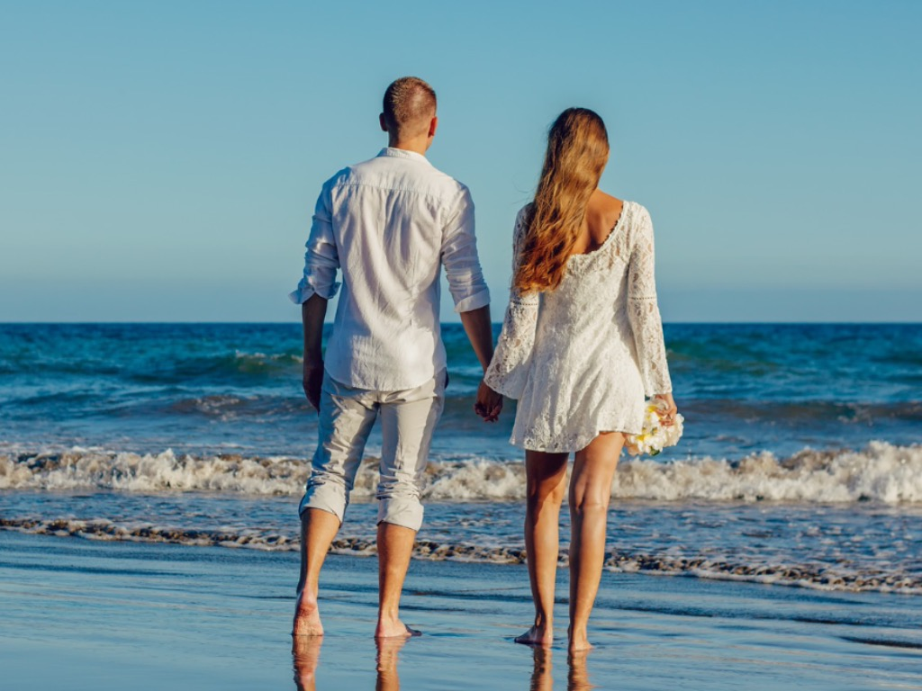 The Best Outfits For A Summer Wedding