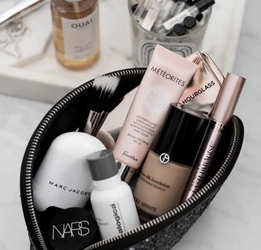 Makeup, 10 Essential Makeup Products for Beginners