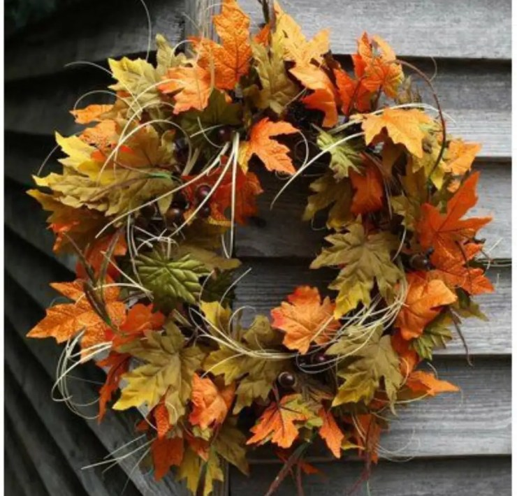 10 Fall Wreaths You Can Hang On Your Door