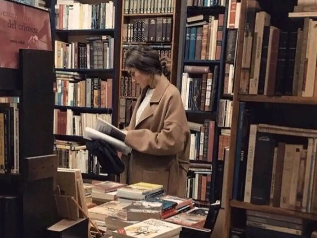 10 Best Fiction Books You Will Never Be Able To Put Down - Society19