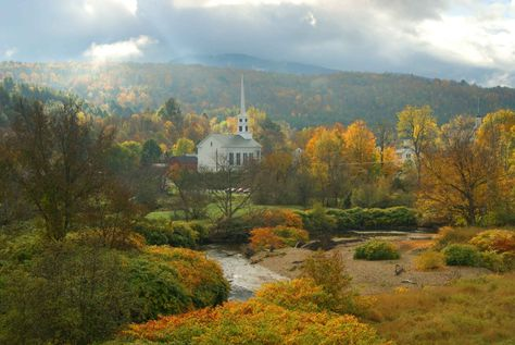 10 Cheapest Fall Destinations That Are Beyond Beautiful